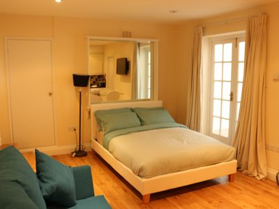 Photo for Budget Modern Studio Apartment in Marble Arch With Own Kitchen & Bathroom