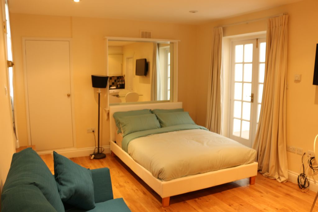 Budget Modern Studio Apartment In Marble Arch With Own Kitchen Bathroom