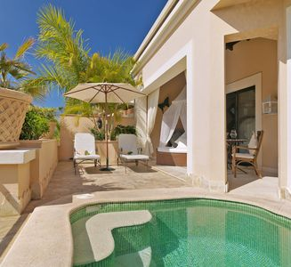 Photo for One bedroom Villa, sleeps 2 with Pool, Air Con and FREE WiFi