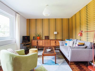 Photo for Quirky 2 Bed apt w/Balcony 4 mins to Stockwell