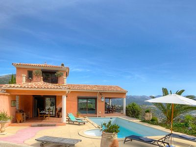 Photo for Beautifully located villa with private swimming pool, near beautiful beaches and Ajaccio