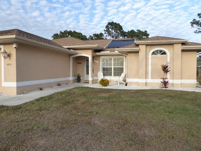 Photo for Beautiful holiday villa with newly renovated pool / lanei in sunny Florida
