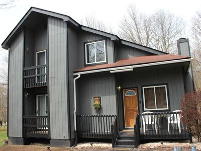 Cozy  lakehouse get away family-friendly fully stocked with air condition