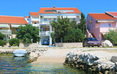 Photo for Apartment in Kustići (Pag), capacity 2+2