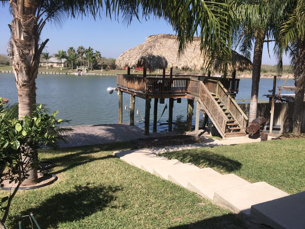 on the water in arroyo city sleeps 8  max  occupancy   rio