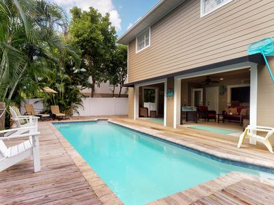 Photo for Bay side family-home w/pool, 2 blocks from Bean Point beaches