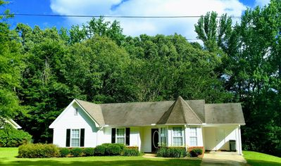 Quiet 2Br 2Ba Country Home.  3.7 Miles From Campus!  Perfect For Game Weekends!