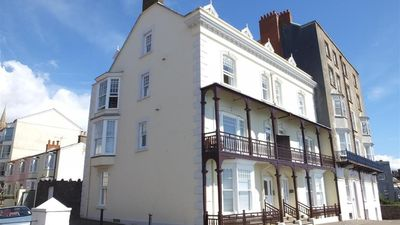 Photo for Paragon House 2 - Two Bedroom House, Sleeps 4