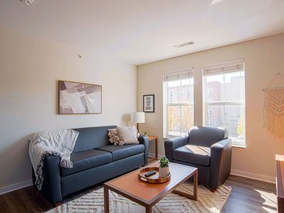 Photo for Chic 1BR steps away from VU campus!
