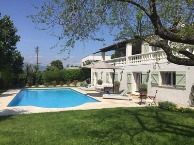 Photo for Luxurious and Stylish Villa 10 min stroll to Valbonne village