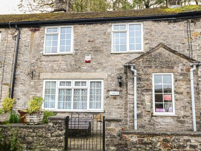 Photo for Eastry Cottage, CASTLETON, PEAK DISTRICT