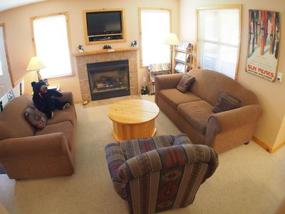 Photo for Upper floor 2 bedroom condo with access to ski-out trail