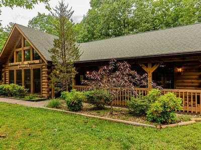 Photo for Premium Cabin, HotTub, Near Shows, with gametable Dining Room Deer Tracks