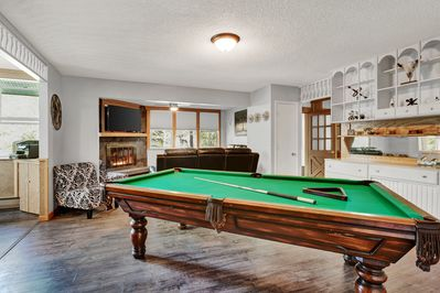 8' Pool table, can see the TV while playing!