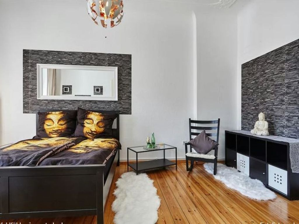 Bright old apartment in a central location