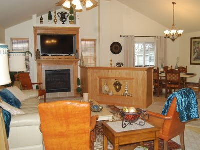 Photo for 2 Bedroom Entire Deluxe 1200 Sq. Ft. Unit by Starved Rock & Skydive Chicago