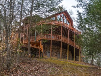 Photo for Upscale cabin w/ private hot tub, game room, & shared seasonal pool access!