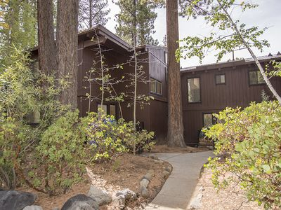 Photo for Cozy 4br Condo with HOA, Close to Tahoe City, Great Value!