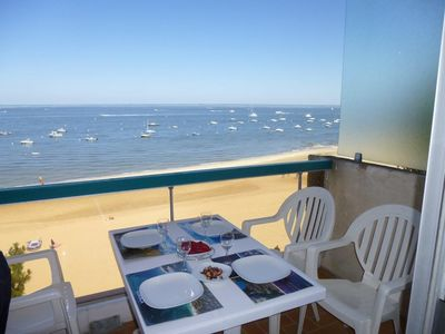 Photo for Arcachon center, studio direct access beach, exceptional sea view.
