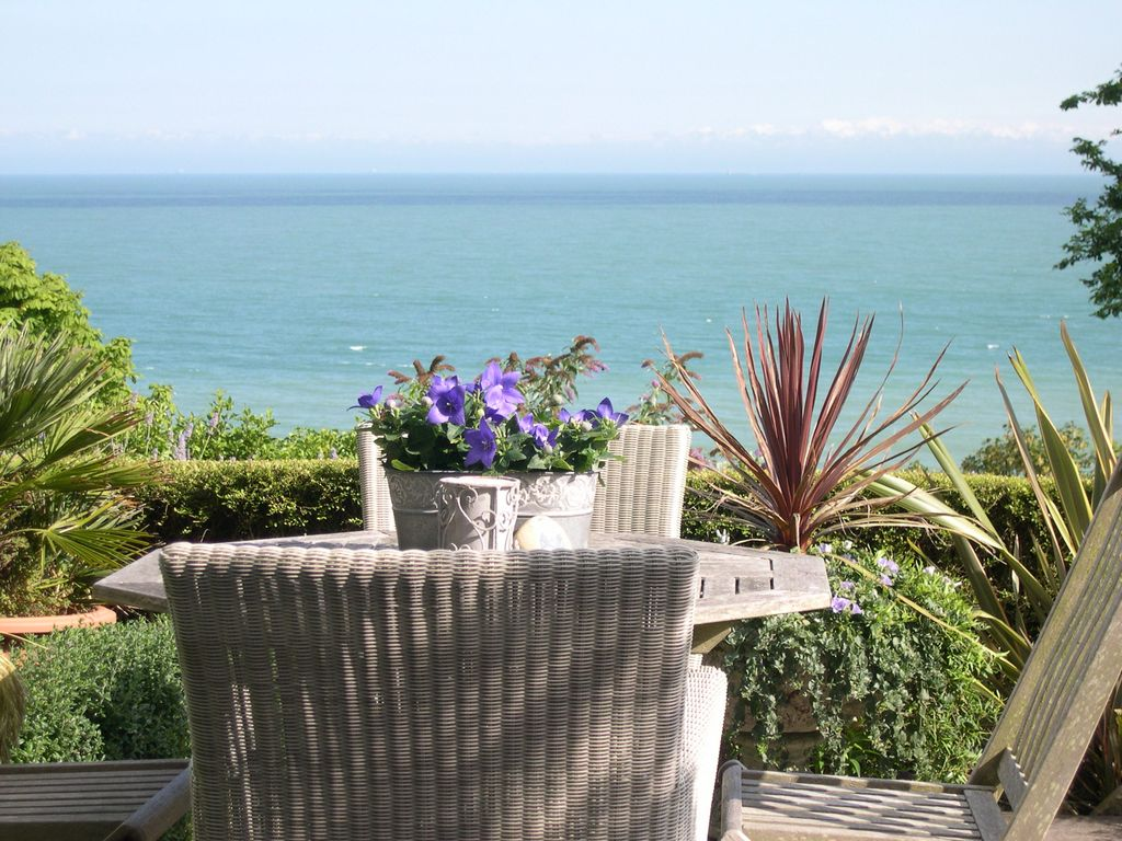 Calais View Garden Apartment: Luxury Self Catering Holiday ...