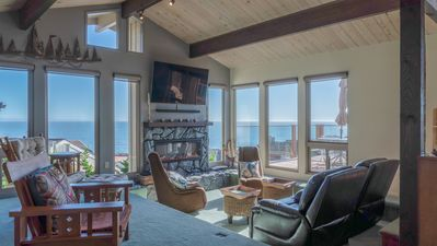 Photo for Panoramic Views of the Monterey Bay!1 minute walk to the beach. 2300 sq. ft.