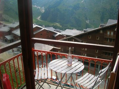Photo for Cosy ski apartment in les arcs 2000, Central and a short walk to the slopes.