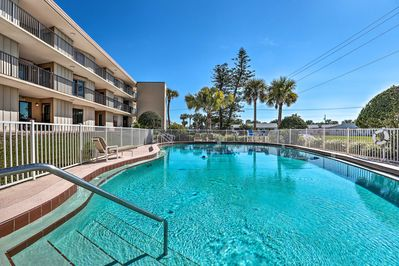 Keep your cool with a dip in the community pool at this Ormond Beach condo.