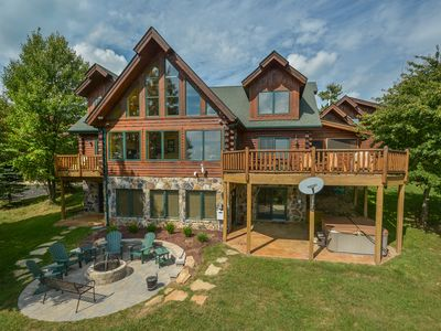 Photo for Highlands Heaven: Lake Views, Community Pool & Lake Access