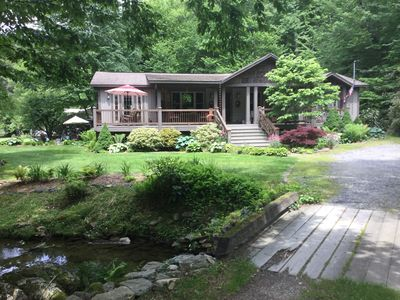 Creekside Cottage nestled in the woods along a stream only a few minutes to town