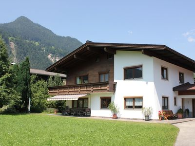 Photo for Comfortable apartment in a beautiful and sunny location in Schlitters