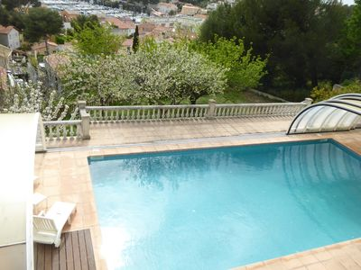 Photo for Superb view, large pool, near sea and village, apartment in villa