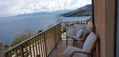 Photo for 6 bed apartment with sea view