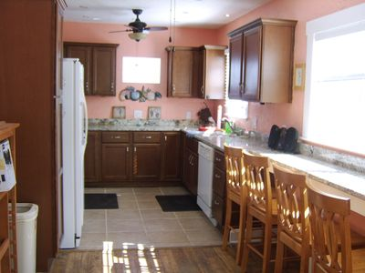 Kitchen - solid wood cabinets - granite countertops