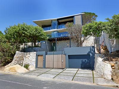 Photo for Contemporary villa in the heart of Camps Bay