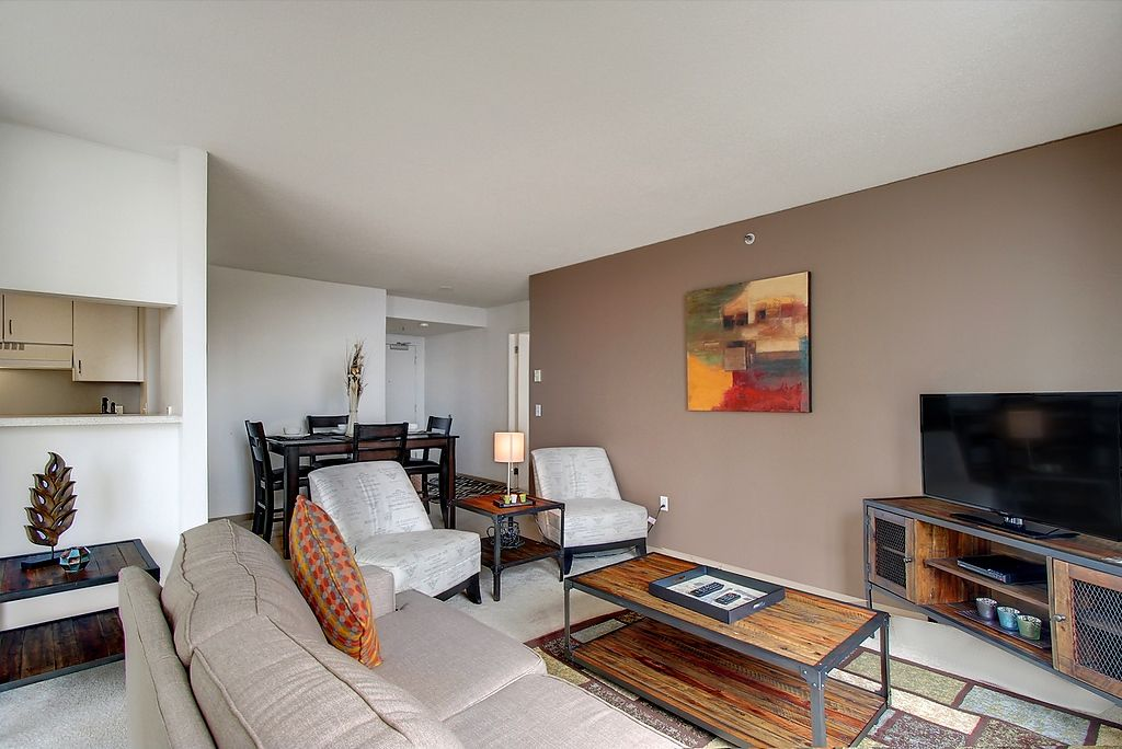 Attractive 1st Avenue Apartment