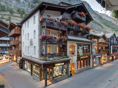 Photo for Top apartment, centrally located in the heart of Zermatt