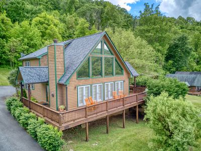 Stunning 3 Bedroom 2.5 Bath 2 Story A Frame Cabin, Paved Access, Views, WIFI