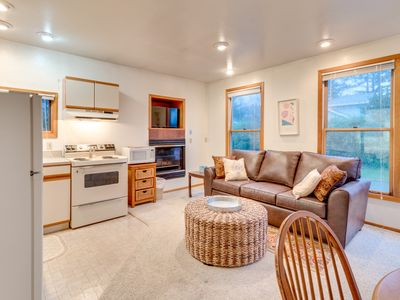 Photo for Cozy oceanfront suite with direct beach access - 1 dog welcome!