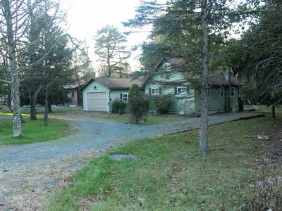 Photo for 3 bedroom  family home with hot tub in lake community