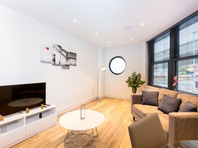 Photo for Lux Two Bedrooms Apartment in Chelsea