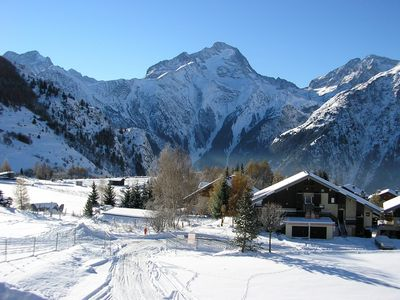Photo for Spacious, Ski in / Ski out, well-equipped apartment - Superb location