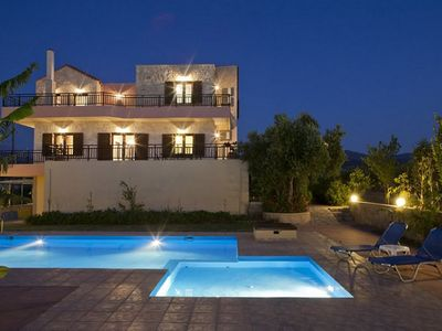 Photo for This 4-bedroom villa for up to 8 guests is located in Asteri  and has a private swimming pool, air-c