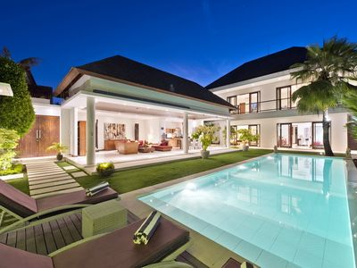 Photo for Merayu, Luxury 5 Bedroom Villa by the Beach in Canggu