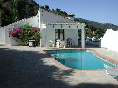 Photo for Charming Spanish villa with private pool in quiet area