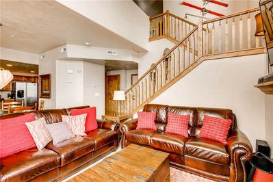 The perfect living room to gather with friends and family