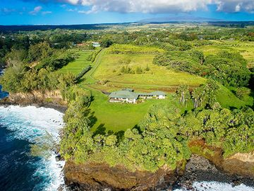 Hilo's most secluded luxurious ocean front estate