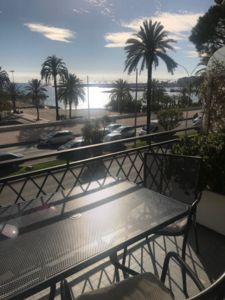 Photo for SEA FRONT HOUSE, TERRACE, WIFI, LARGE LOUNGE, COMFORTABLE TO THE BUSES,