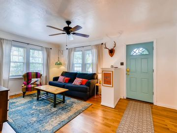 NEW! Happy and Easy near Downtown and USOTC