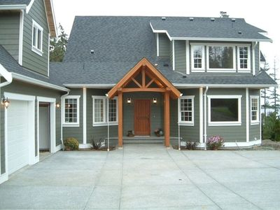 Photo for 4BR Waterfront House, Close to Skiing/Golf