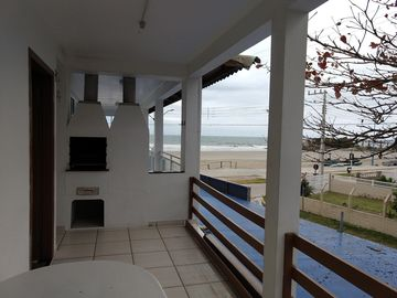Search 128 holiday rentals